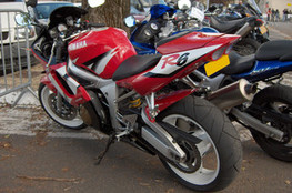 R6 (rouge)