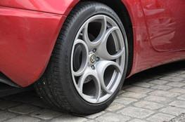 Alfa Romeo 8C, pneu