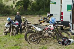 Midi - motos de l'équipe (+Ludo)